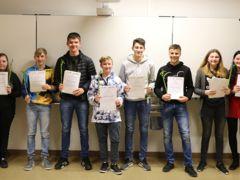Acht Krienser Jugendliche erhalten das LIFT-Zertifikat.